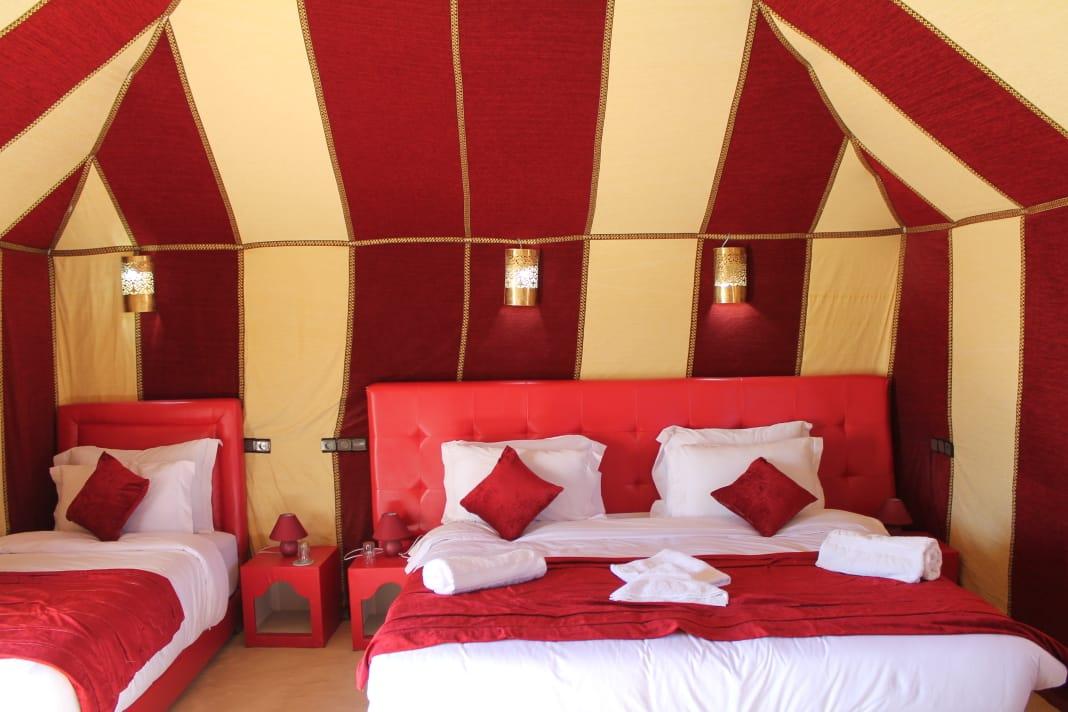 Morocco desert camps - Luxury Sahara Camp vs Standard desert camp